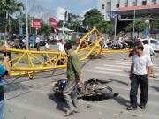 Tin tức trong ngày - Cần cẩu sập ngang đường, 5 người thương vong
