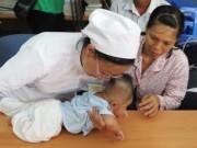 Tin tức trong ngày - Bé bị đâm thấu sọ bị viêm màng não mủ, phải nhập viện