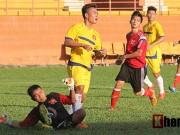 """Bóng đá - Thủ môn U21 Việt Nam làm HLV đội nhà """"vò đầu bứt tai"""""""