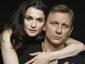 """Phim - Khám phá người phụ nữ """"trói chân"""" điệp viên 007"""
