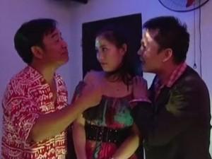 Quang Tèo bị bắt quả tang trốn vợ đi hát karaoke