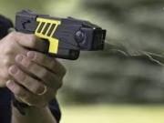 An ninh Xã hội - Rủ nhau mua súng điện cướp xe ôm