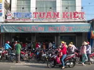 """Tài chính - Bất động sản - Kiểm tra tại tiệm vàng có doanh số """"khủng"""" ở Cà Mau"""