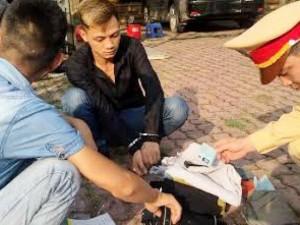 An ninh Xã hội - Mang heroin dạo phố bị tổ công tác 141 tóm gọn