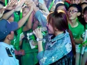 Ca nhạc - MTV - Noo Phước Thịnh và Hari Won cuồng nhiệt cùng sinh viên