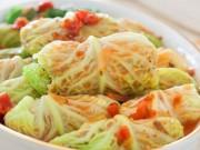 Ẩm thực - Ngon ngất ngây bắp cải cuộn thịt sốt cà chua