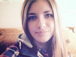 Thiếu nữ 15 ngồi trên quả bom IS gài trong máy bay Nga