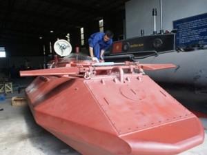 Tin tức Việt Nam - Doanh nhân Thái Bình sẽ chạy thử tàu ngầm Hoàng Sa ở hồ