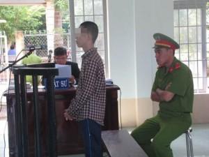 An ninh Xã hội - Xét xử đối tượng tạt axít vào đoàn cưỡng chế ở Long An