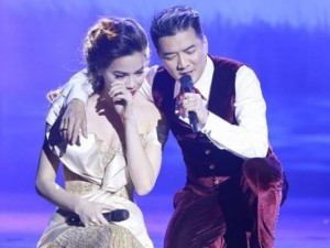 Ca nhạc - MTV - Clip: Hồ Ngọc Hà rơi nước mắt không ngừng trên sân khấu