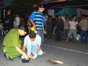 An ninh Xã hội - Vứt thi thể người đàn ông xuống đường rồi tẩu thoát