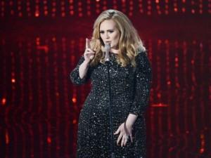 Chỉ trong 3 ngày, Adele bán được hơn 2 triệu album