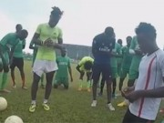 Tin bên lề bóng đá - Những cầu thủ siêu khỏe tìm cơ hội chơi bóng ở VN
