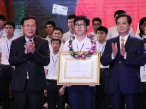 Giáo dục - du học - Thủ tướng trao bằng khen cho 7 học sinh đoạt huy chương vàng Olympic