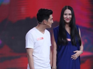 """Giải trí - Phi Thanh Vân: """"Chồng trẻ chăm sóc tôi như con"""""""
