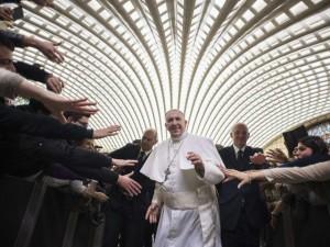 Thế giới - Vị giáo hoàng hay gây sốc với những việc làm bình dị
