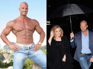 """Ca nhạc - MTV - Vẻ đẹp tựa nam thần Hy Lạp """"gây sốt"""" của vệ sỹ Adele"""
