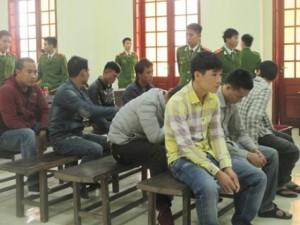 """An ninh Xã hội - """"Thủ lĩnh"""" nhóm 23 người ném mìn vào lễ ăn hỏi lãnh án tù"""