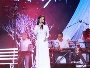 Hồng Nhung day dứt với kỷ niệm về Trịnh Công Sơn
