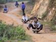 Đua xe cút kít - trò chơi thú vị của trẻ em Sapa