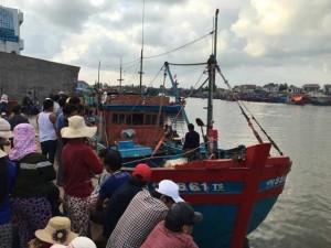 Tin tức trong ngày - Thi thể ngư dân bị bắn chết trên biển đã được đưa vào bờ