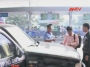 """Video An ninh - Xử phạt gần 130 xe """"Uber taxi"""" và """"Grab taxi"""" vi phạm"""