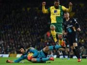 Bóng đá - Petr Cech cứu thua như thời đỉnh cao ở vòng 14 NHA