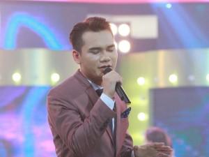 """Ca nhạc - MTV - """"Ca sĩ giấu mặt"""": Khắc Việt bị """"bản sao"""" lấn lướt"""