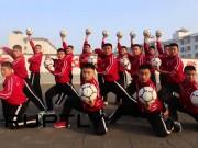 Thể thao - Xem đội bóng Thiếu Lâm đá bóng bằng kung-fu