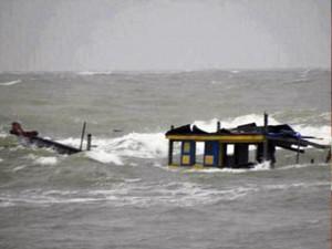 Tin tức trong ngày - Hy hữu: Tàu cá tiền tỷ bị cá đâm chìm giữa biển