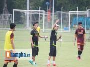 """Bóng đá - U23 VN: HLV Miura khản giọng trong """"bão"""" chấn thương"""