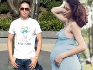 Phim - Facebook sao 3/12: Trang Trần khoe con gái giống ba