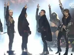 """Những màn biểu diễn siêu  """" hot """"  tại MAMA 2015"""