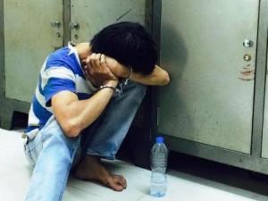 Tin tức trong ngày - Thanh niên ngáo đá khống chế cô gái trẻ, dọa giết