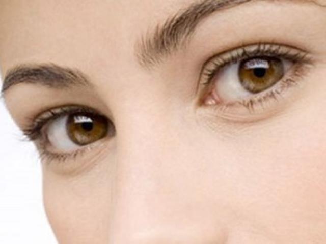 Đoán bệnh nguy hiểm qua màu sắc của mắt