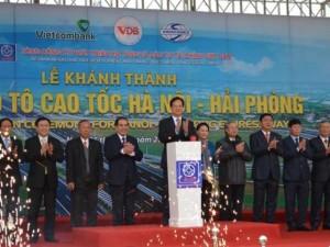Tin tức trong ngày - Thủ tướng phát lệnh thông xe cao tốc hiện đại nhất Việt Nam
