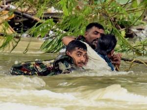 Thế giới - Ảnh: Mưa gây thảm họa ngập lụt, 280 người chết ở Ấn Độ