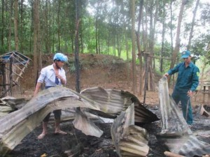Tin tức Việt Nam - Cháy nhà vì nấu ăn bất cẩn, 2 vợ chồng thương vong