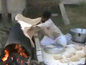 """Clip nghệ thuật làm bánh  """" có 1 không 2 """"  ở Ấn Độ"""