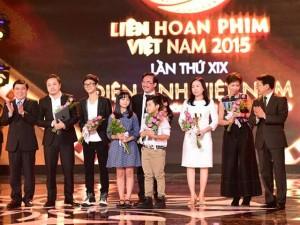"""Phim """"Hoa vàng cỏ xanh"""" bội thu giải thưởng ở LHP VN 19"""