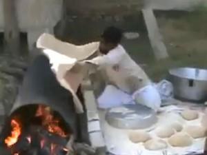 """Clip nghệ thuật làm bánh """"có 1 không 2"""" ở Ấn Độ"""