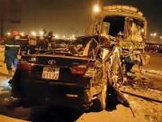 Video An ninh - Xe khách gây tai nạn liên hoàn, 10 người thương vong