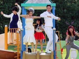 """Bình Minh, Diễm My mặc đồ cưới nhảy """"bá đạo"""""""