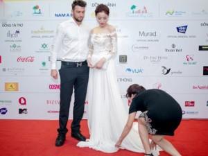 """Thời trang - Nỗi lòng Hoa hậu Kỳ Duyên khi """"nhờ mẹ chỉnh váy cho con"""""""