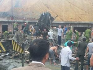 Tin tức trong ngày - Sập cây xăng đang thi công, nhiều người bị vùi lấp