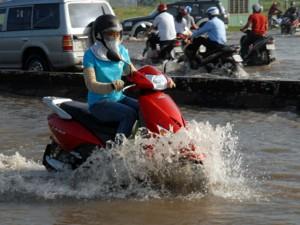 Tin tức trong ngày - TP.HCM: Trạm bơm thoát nước... gây ngập hơn 300 hộ dân
