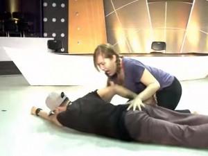 Lâm Vinh Hải ngã quỵ trên sân khấu