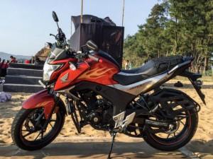 Ô tô - Xe máy - Cận cảnh mô tô Honda CB Hornet 160R giá 27 triệu đồng