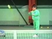 Thể thao - Clip độc: 6 tuổi, Djokovic đã chơi tennis điệu nghệ