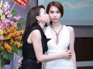 Ngọc Trinh khen Trà Ngọc Hằng nóng bỏng trong MV 16+